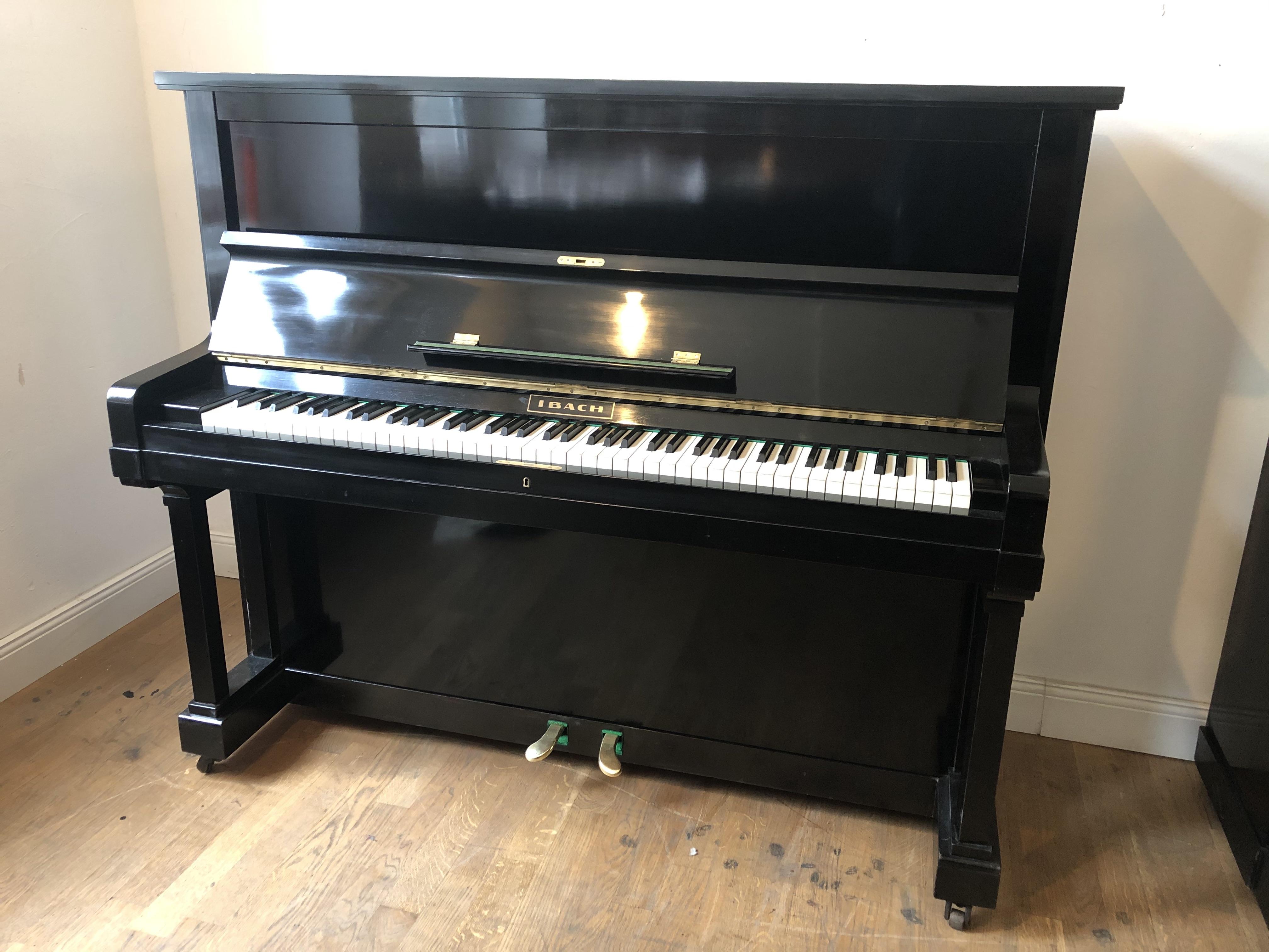 Klavier Ibach 126